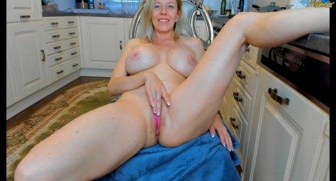 Mature blonde milf tunderose