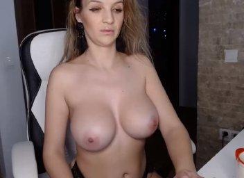 big boobs smileyouarehere