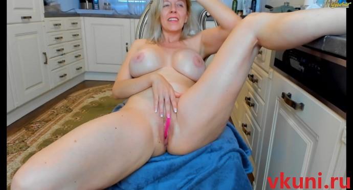 Сочная русская женщина tunderose в порно чате