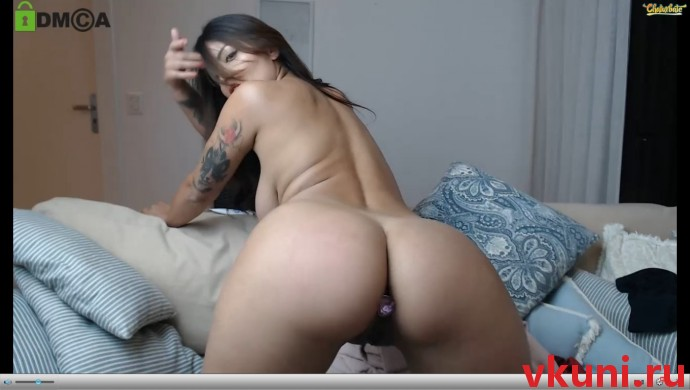 Брюнетка jhulysex в порно чате раком